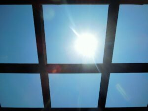 窓からの熱